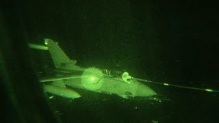 RAF Voyager Refuels Tornados Enroute to Iraq