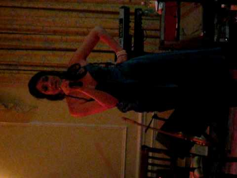 Lisa Birnbaum sings to Holly and Jason