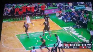 Marcus Smart gives middle finger to fan after 3