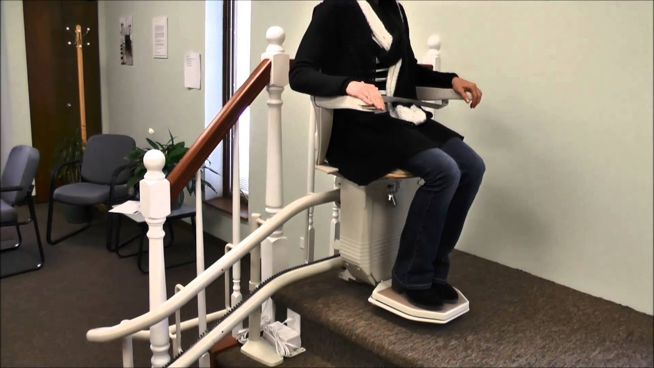 Thyssenkrupp Treppenlift Störung Stannah Stairlift User Demonstration On Curve Starla Model