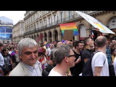 Marche des Fiertés - Gay Pride - Paris 2017 - Départ Rue de Rivoli - HD