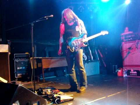 Shrinebuilder - Solar Benediction / live in Budapest