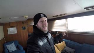 Living on a boat in the winter snowstorm!!  A day in the life. DON'T PROCRASTINATE!