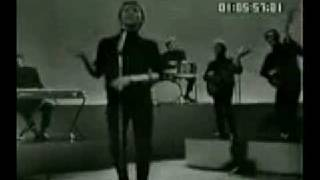 Manfred Mann and his men performing Sha La La live in 1965. A Top 4...
