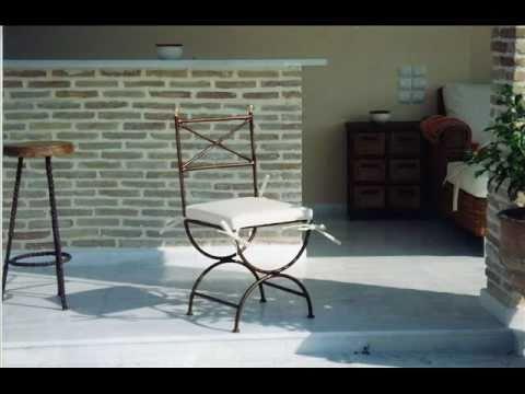 επιπλα κηπου τραπεζια πολυθρονες καρεκλες σαλονια