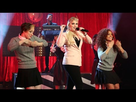 Meghan Trainor Performs 'Lips Are Movin'