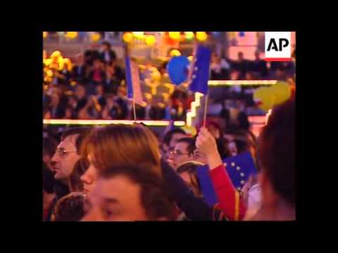 Midnight celebrations as the Czech Rep enters the EU
