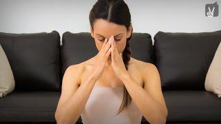 Yoga Special: Das Workout gegen Kopfschmerzen