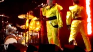 Uncontrollable Urge - Devo live  (quintessential Devo) Redhook Brewery