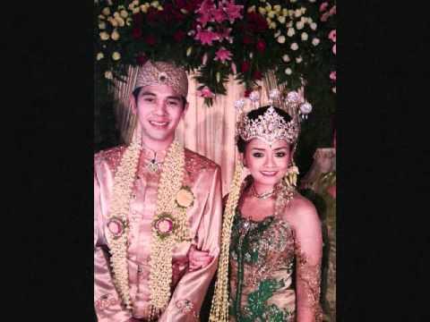 Tika saat menikah