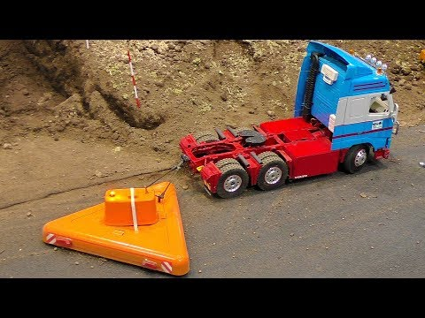 RC MODEL TRUCK IN MOTION AMAZING DETAIL MODEL IN ACTIONM