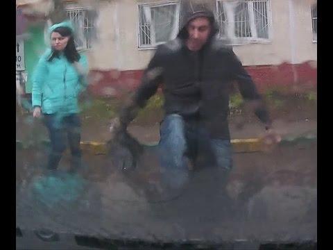 видео как ей порвали дырку избили и чё только не засунули