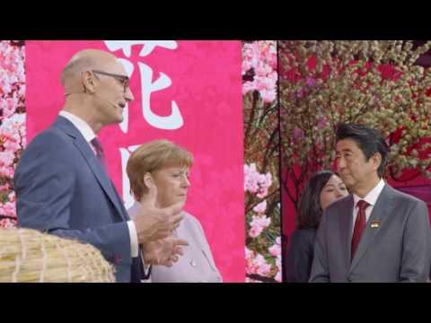 Social Media Post: Kanzlerin Merkel zu Gast bei der Telekom