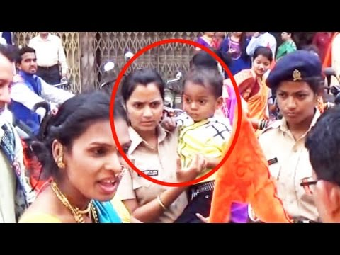 Mumbai's Woman Police Saves Kid
