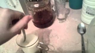 Как приготовить коктейль без мороженого :-)(В этом видео я буду готовить коктейль без молока что для этого понадобится 1 молоко 2любое варенье, извените..., 2015-11-17T13:04:39.000Z)
