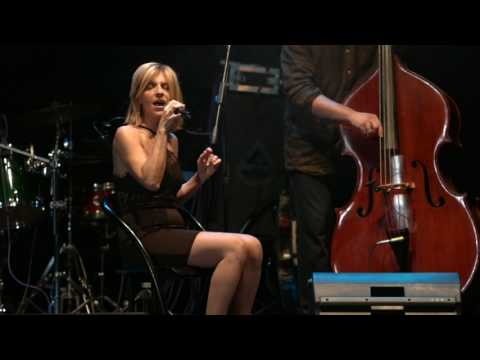Maniac Acoustic Elisabetta Macchiavello LIVE TEATRO GOVI GENOVA