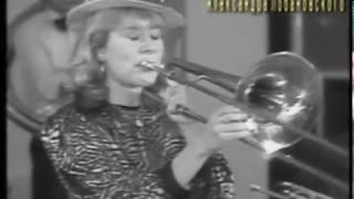 1993 г  Семейный оркестр Бирюковых  г  Погар Брянской обл ч 3 YT