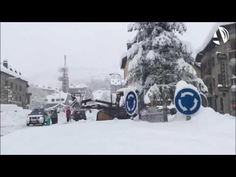 """Una nevada """"histórica"""" aísla el valle de Benasque"""