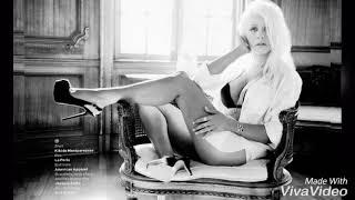 Baixar Christina Aguilera sings Demi's part on Fall in line