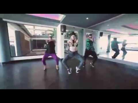 Videos clip baile de Favila ritmo de fank