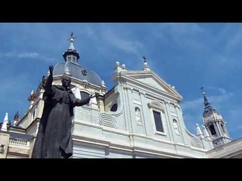 Madrid - Plaza Mayor Catedral De La Almudena