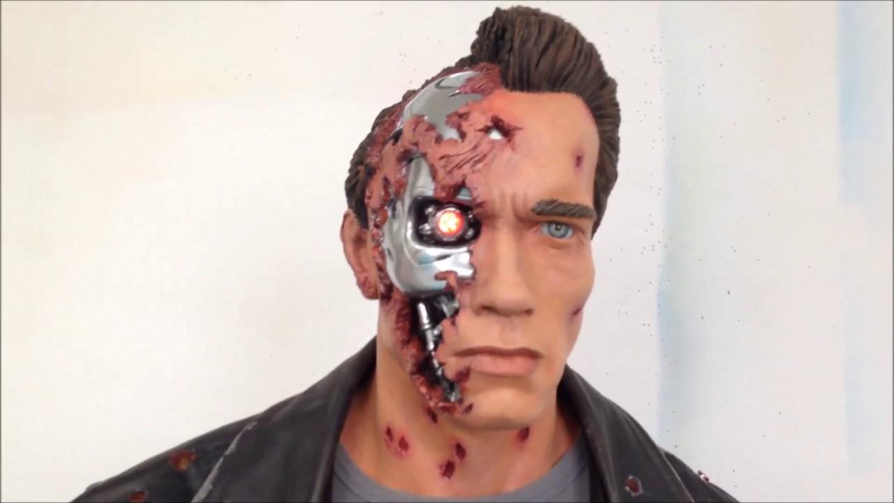 TERMINATOR 2 Arnold Schwarzenegger battle damaged life ...
