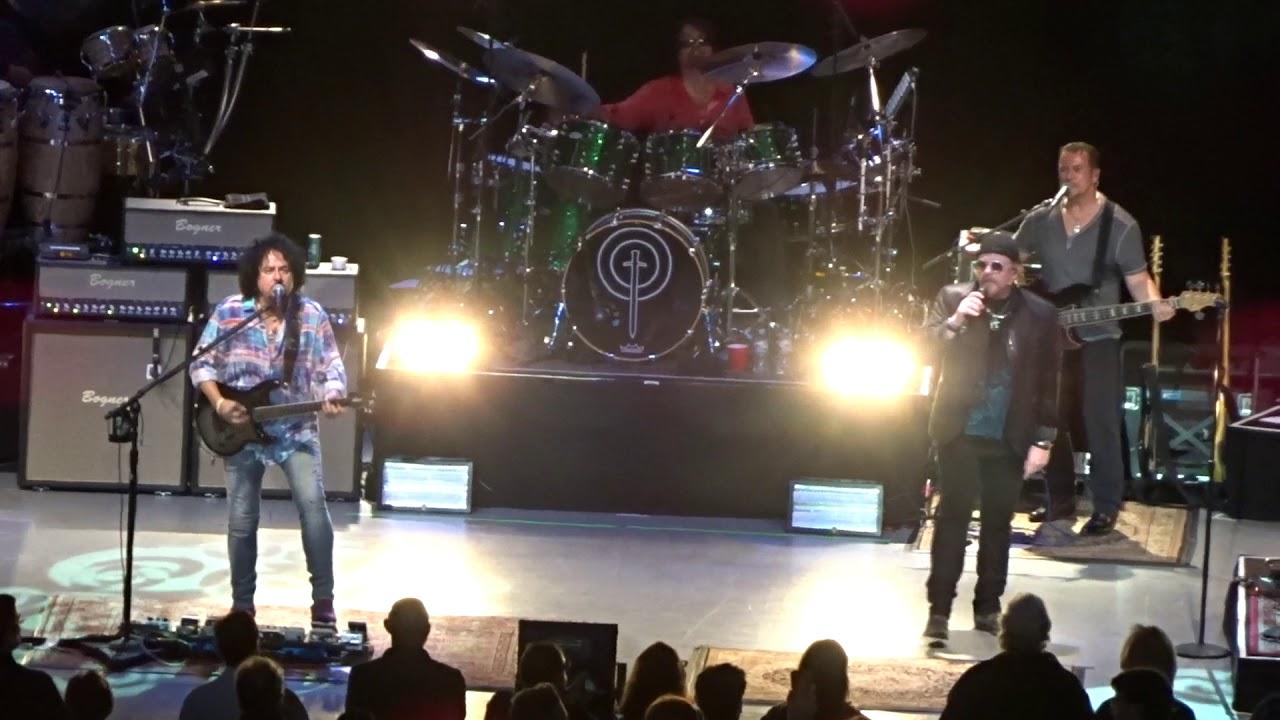 Toto - Rosanna - live - Greek Theatre - Los Angeles CA - August 27 ...