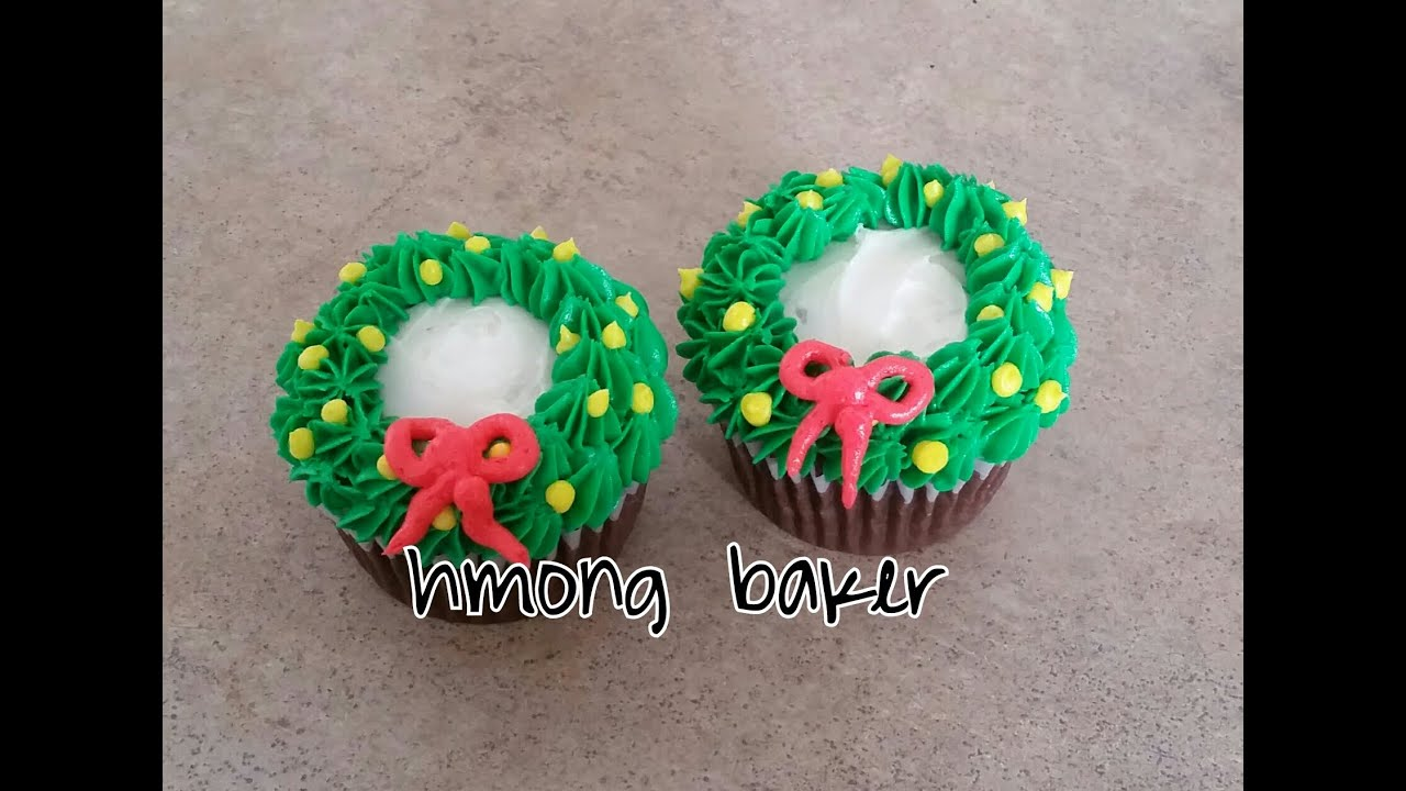 christmas wreath cupcake christmas cake decorating youtube - Christmas Cupcake Decorations