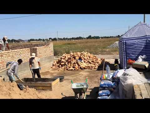 МПС Алматы. Дом 10Х12 метров из красного кирпича. Фундамент и стены 9 августа 2015 г.