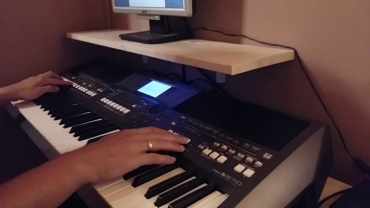 One Way Ticket - on Yamaha PSR-S670 Chords - Chordify