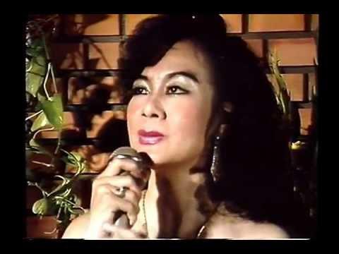 Nghệ Sỹ  Mỹ Châu hát phòng trà
