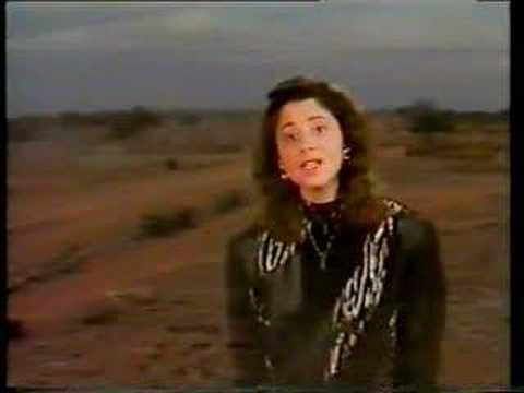 """Le premier """"live"""" de l'Aziza est en Pleurs""""  de Lara Fabian fut chanté sur la scène du Black Bottom"""