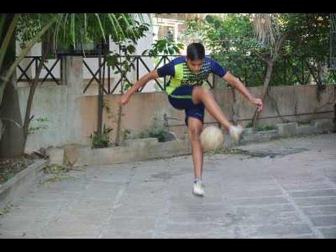 Ultimate Skills ★ Amazing Tornado flick football freestyle skill tutorial - EASY