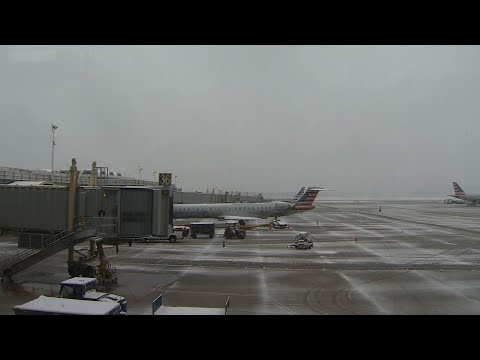 Winter weather disrupts mid-Atlantic air travel