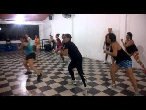 Zumba com funk carioca – Buena Forma,05-09-14