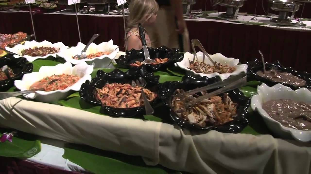 Thanksgiving Feast At The Kaanapali Beach Hotel Mov