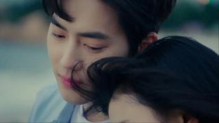 Gambar cover 수호 SUHO '낮에 뜨는 별(feat.레미) (From Drama '우주의 별이') MV #2