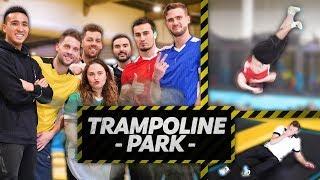 Tout seuls dans un parc à trampolines