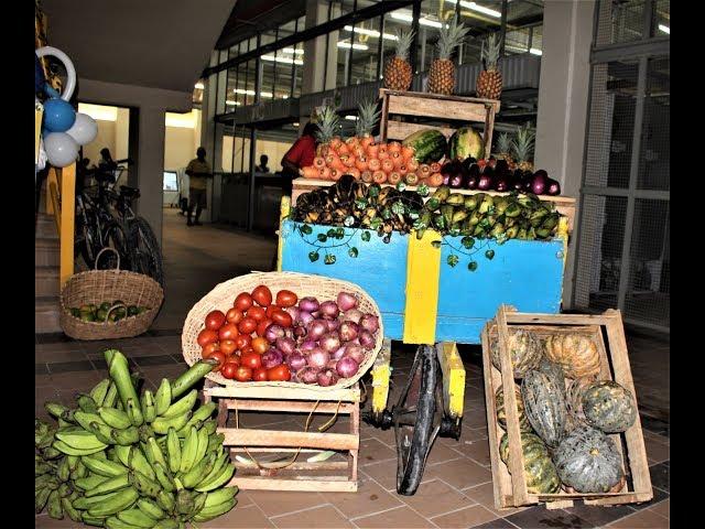 Israel Díaz Acevedo opina sobre la apertura del nuevo Mercado de Santa Rita