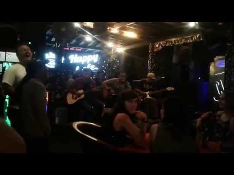 Country Roads - Ary Juliyant & Folks Live at Happy Café, Sen