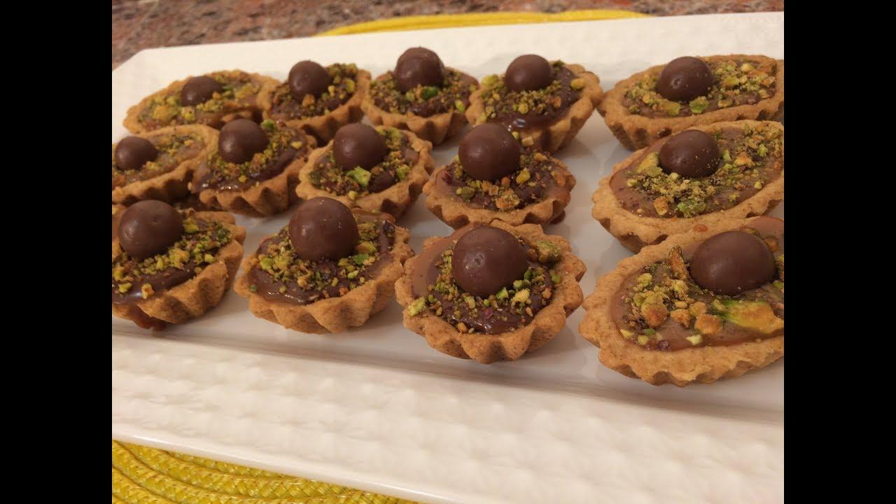 طريقة سهلة ولذيذة لعمل حلو السليله الليبية السلة الليبية بحشو الكراميل والنوتيلا حلويات للمناسبات Youtube Food Breakfast Muffin