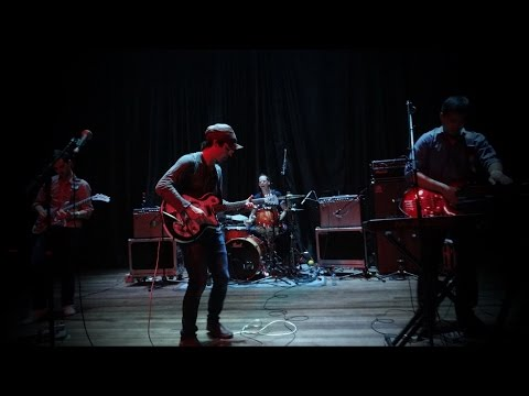 Clap Your Hands Say Yeah - Let the cool goddess rust away (ExOz, Santiago, Chile, Agosto 2015)
