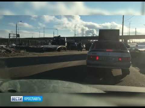 Видео Иномарка насмерть сбила пешехода в Дзержинском районе Ярославля