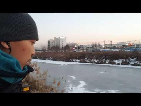 Wooow Sungai di Korea membeku mejadi sungai es