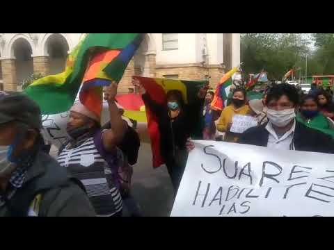 Mendoza: Movilizacion de la comunidad boliviana que reclama lugares para poder votar