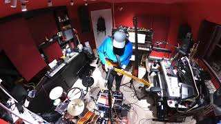 Live looping 6 instrument multi instrumentalist jam.