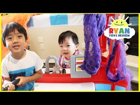 Kids Pretend Play Cooking with Little Tikes 2-in-1 Food Truck