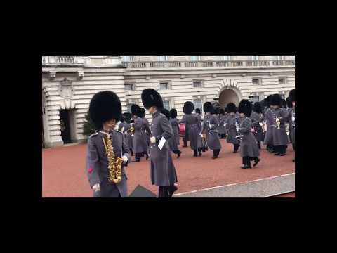 Vlog #3 at Buckingham Palace (Chainging of guards) 👍🏻🙂