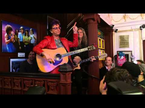 "Jim Peterik joins Rock of Ages band Arsenal for ""Eye of the Tiger"""