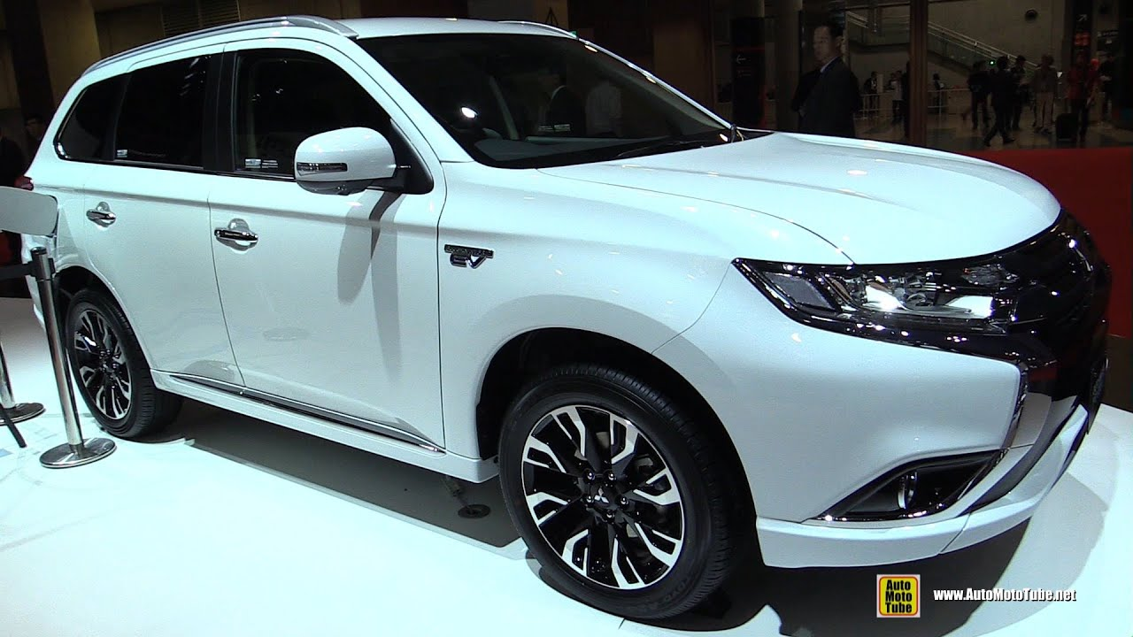2016 mitsubishi outlander phev exterior and interior walkaround 2015 tokyo motor show - Mitsubishi Outlander Interior